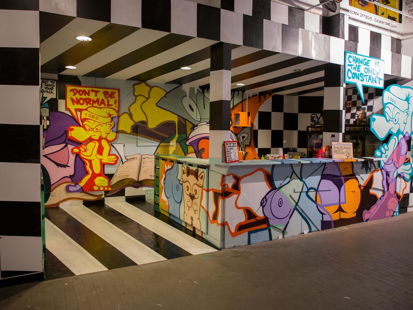 Raumgestaltung wandelism Bar Aerosolikz Tobo Gesamtbild