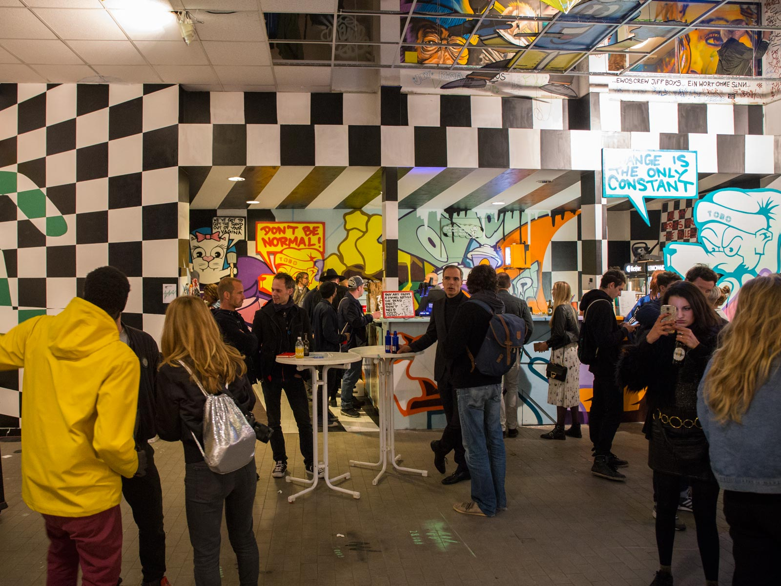 Raumgestaltung wandelism Bar Aerosolikz Tobo Party